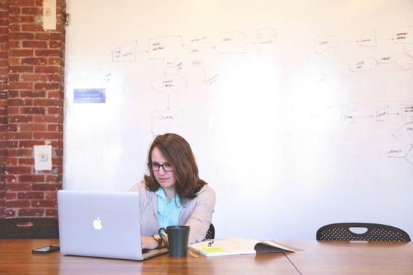 大学生こそアフィリエイトブログを始めるべき6つの理由と注意点