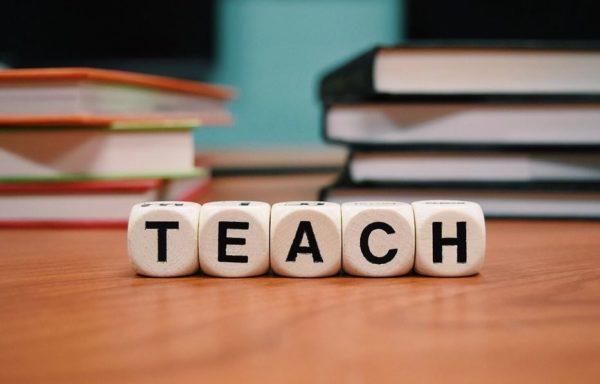アフィリエイトは個人コンサルorスクール・セミナーどっちを選ぶべき?